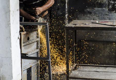 metal worker: metal worker