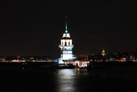 Istanbul Maiden Tower (kiz kulesi) at night