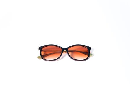 Brown fashion sunglasses on a white background Stockfoto - 134847244