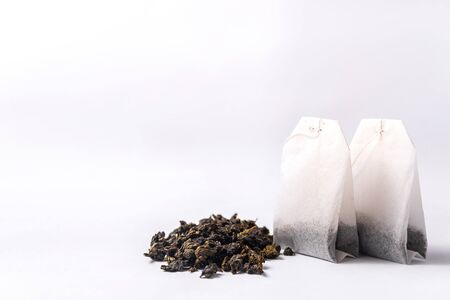 Green tea bag isolated on white background Stockfoto - 137158282
