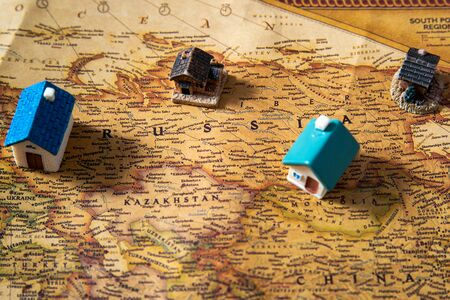 World map with houses, Russia closeup Stockfoto