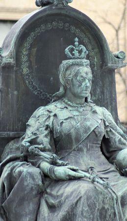 legislature: Queen Victoria statue in front of the Manitoba Legislature