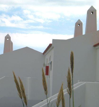 spanish homes: Spagnolo case di bamb� con giardino davanti