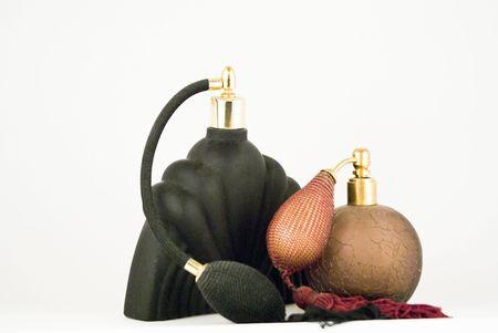 2 つのフランス語ボール噴霧器での香水の噴射弁