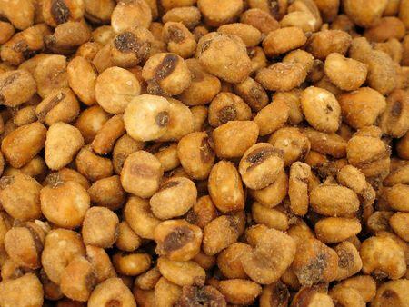 Noten gezouten maïs op de markt Stockfoto