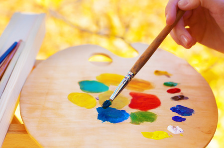 pallette: l'huile des artistes peint beaucoup couleur abstraite close-up Banque d'images
