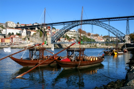 central park: Brige over the douro river in Portugal