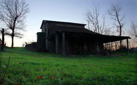 wood cabin photo