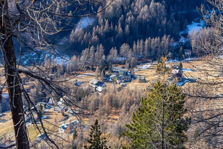 Panorama of mountain houses in Val dAyas, Valle DAosta seen from the top of the mountain. italy Stockfoto