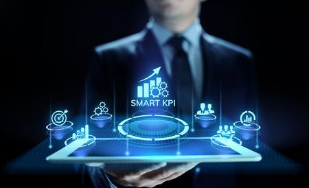 Smart KPI Performance analysis improvement business industrial technology concept. Foto de archivo