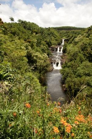 kona: Water falls in Kona Hawaii