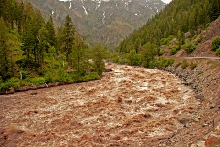 mud slide: Spring Run Off In Washington State