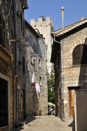 alpes maritimes: Narrow street in the village of Vence in southeastern France, region Provence, department Alpes Maritimes Stock Photo