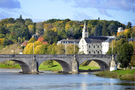 et: Old bridge of Wilson on the river Loire and church at Tours, city in central France, the capital of the Indre-et-Loire department, Centre region