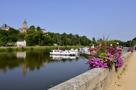 commune: Port on Mayenne river at Chteau-Gontier with the Saint-Jean-Baptiste church in the background, commune in the Mayenne department, Pays de la Loire Region, in north-western France