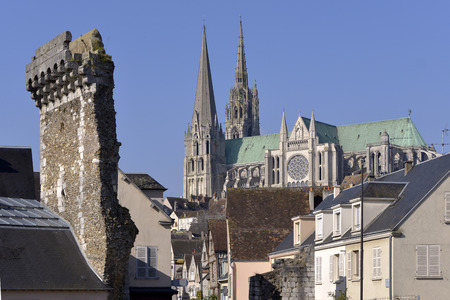 vestige: Cathedral of Our Lady of Chartres with old vestige of the Porte Guillaume. Chartres is a town and capital of the Eure-et-Loir department in Region Centre-Val de Loire in France