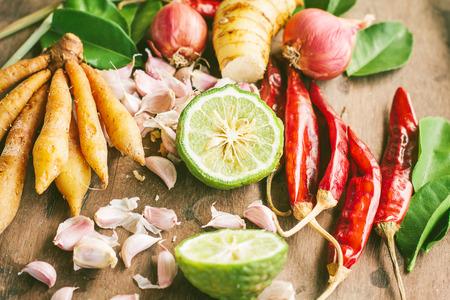 Ingrediënten van Thaise kruidig voedsel Tom Yum.