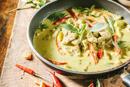 緑豚カレー タイ料理