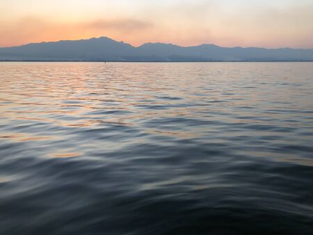 Sunset time, at Kwan Phayao lake, Phayao province, Thailand.  版權商用圖片