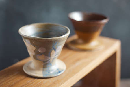 Dripper and drip server are the equipment of dripping coffee. Banque d'images