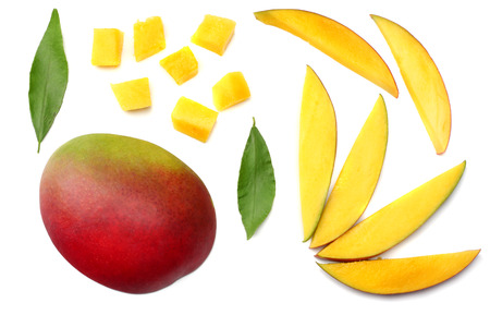 mango slice with green leaves isolated on white background. top view 版權商用圖片