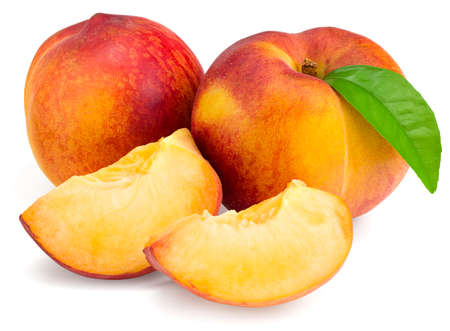 peach fruit with green leaf and slice isolated on white background Banque d'images