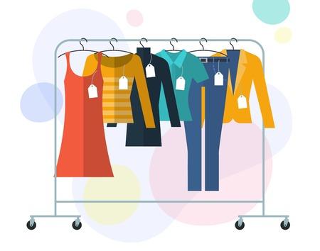 Płaska konstrukcja wektor illistration ubrania na wieszakach z etykietami i metkami. Zakupy sprzedaż koncepcja vtctor. Ilustracje wektorowe