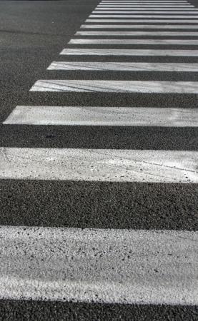 pedestrian crossing - black street and white lines 版權商用圖片 - 21494378