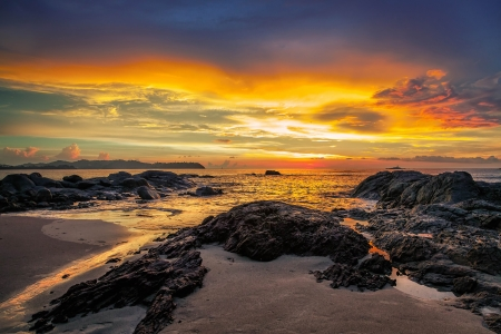 Colorful sunset over the sea Stock Photo - 14946680