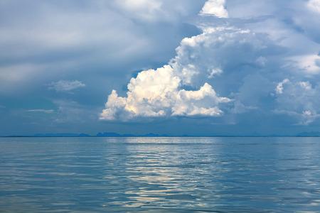 gloom: Gloom over the sea