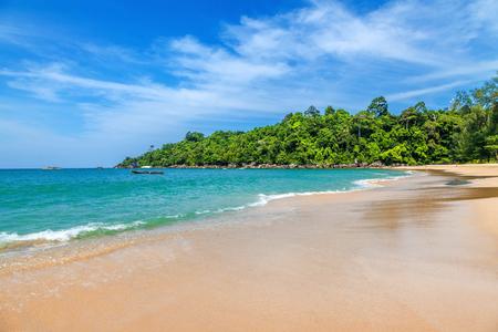 bounty: Playa de arena en Khao Lak