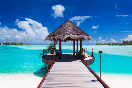 island paradise: Jetty with amazing ocean view on tropical island Stock Photo