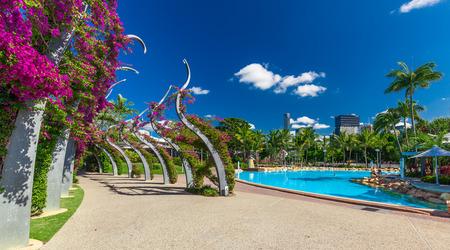 south park: BRISBANE, AUS - NOV 18 2015: Streets Beach in South Bank Parkland. Its inner-city man-made beach next to city center.