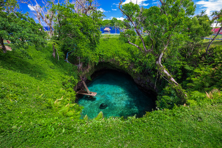 sua: To Sua ocean trench - famous swimming hole, Upolu, Samoa, South Pacific
