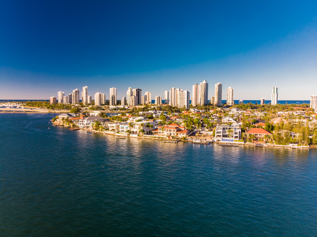 Aerial view of Surfers Paradise and Southport on the Gold Coast, 版權商用圖片