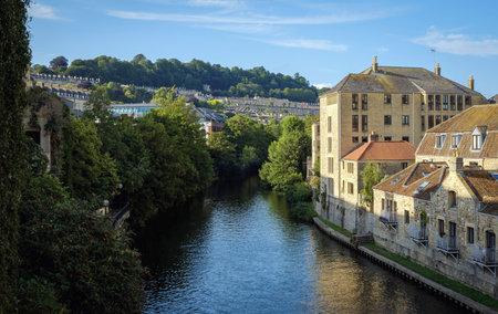 old houses on a bridge over water in bath united kingdom england Standard-Bild