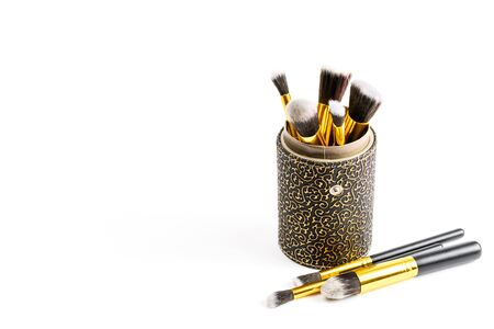 Makeup brush powder. Drawing cosmetic products isolated on white background with copy space. Beauty glamour concept Foto de archivo - 137896122