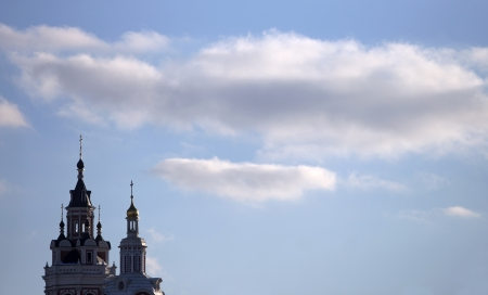 orthodox church: A Russian orthodox church with blue sky in background Stock Photo