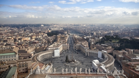 An aerial photo from a roof of St,Peters cathedral in Roma