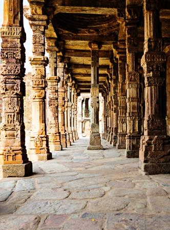 minar: Sandstone columns at Qutab Minar, Delhi, India