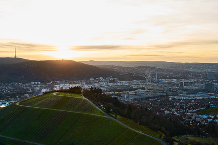 Blick auf die idyllischen Weinberge und Obstgärten von Stuttgart-Rotenberg Deutschland Grabkapelle Lizenzfreie Bilder