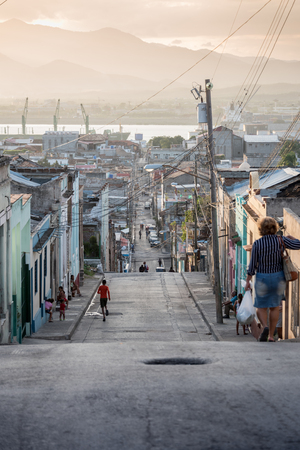 Daily life street setting at sun down in Trinidad, Cuba Banco de Imagens - 88713136