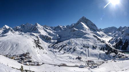 alpen village winter panorama