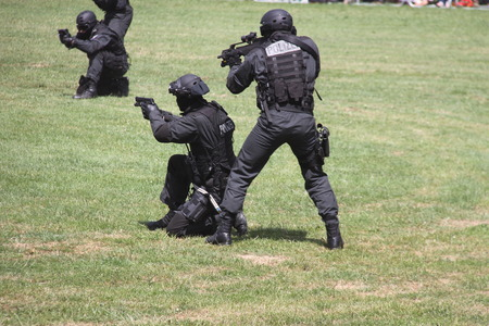 use pistol: SWAT
