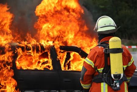 Burning Car Standard-Bild