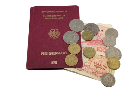 immigrate: Passport Rupiah