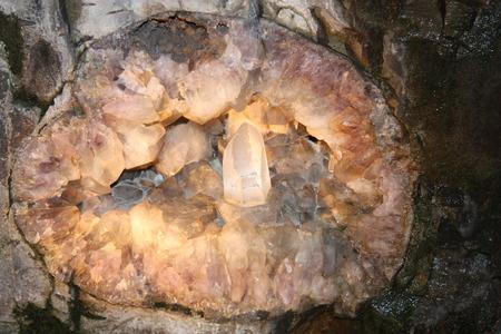 degrading: Rock crystal
