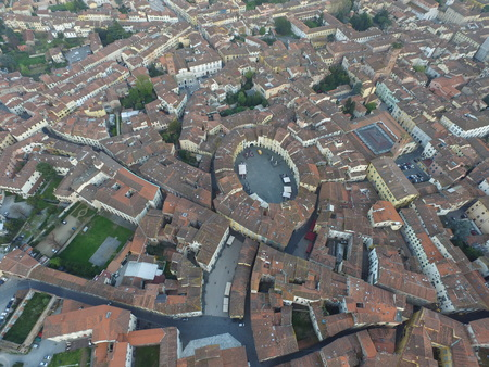 lucca: Lucca