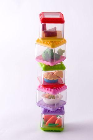 piramide alimenticia: envases estacados del alimento del juego