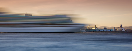 Long exposure shot of a cruise ship passing by Stock fotó